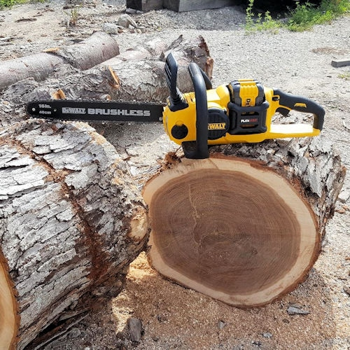 battery operated chainsaw review